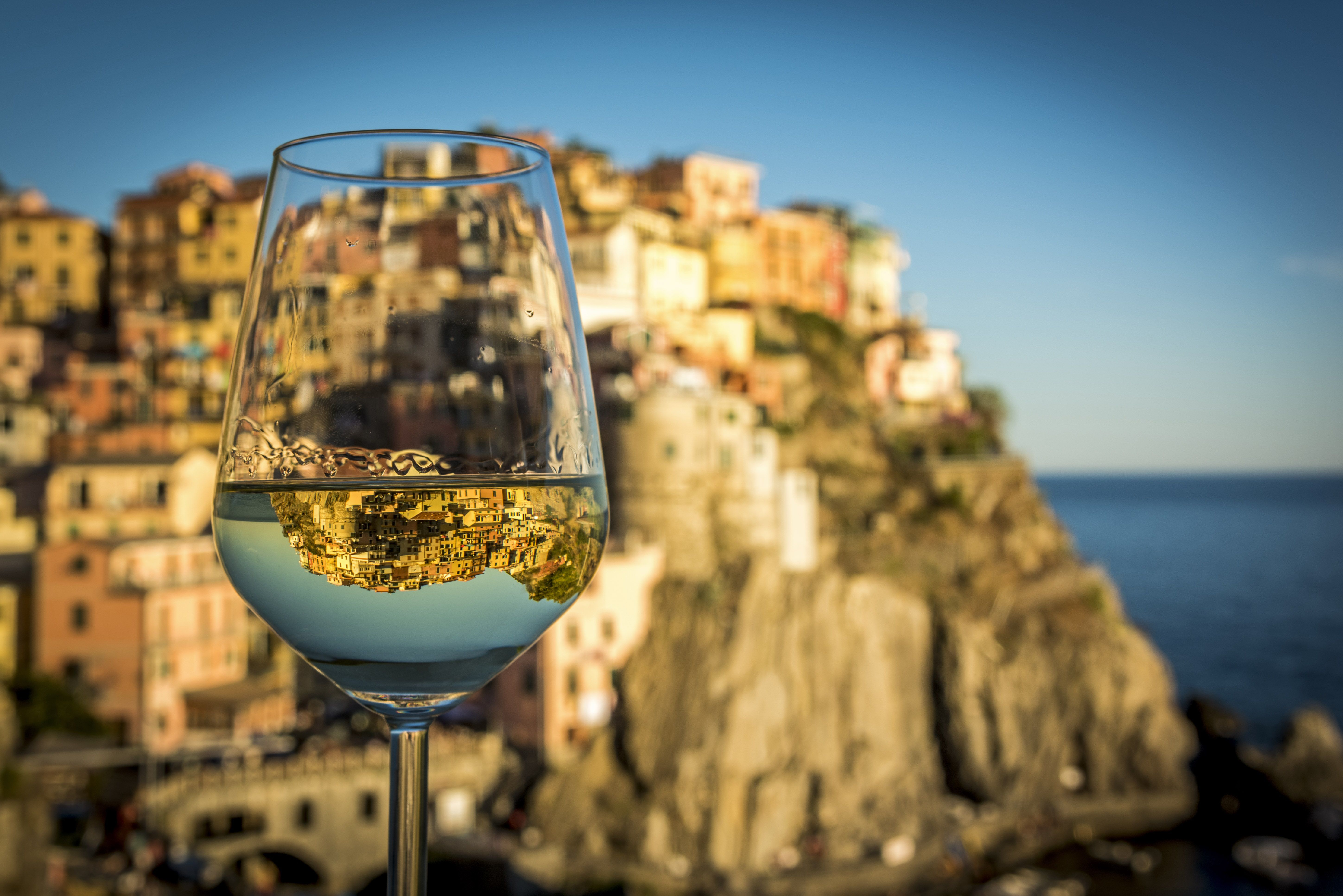 ITALIAN WHITE WINES THAT ARE HUGELY UNDERATED